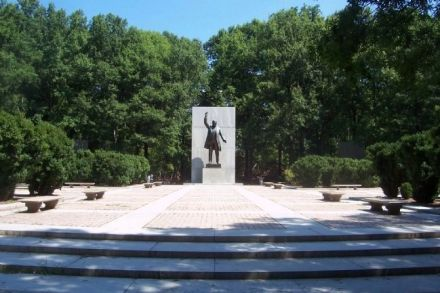 tr island national memorial.jpg